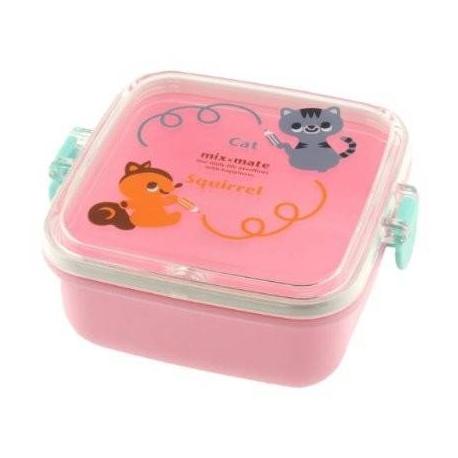 Kotobuki Squirrel and Kitty Bento Snack Container
