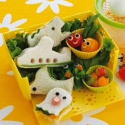 Sandwich Cutter with Soft Base Plane Alligator Octopus Bird